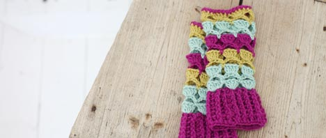 Crochet Pattern - Shell Wrist Warmers
