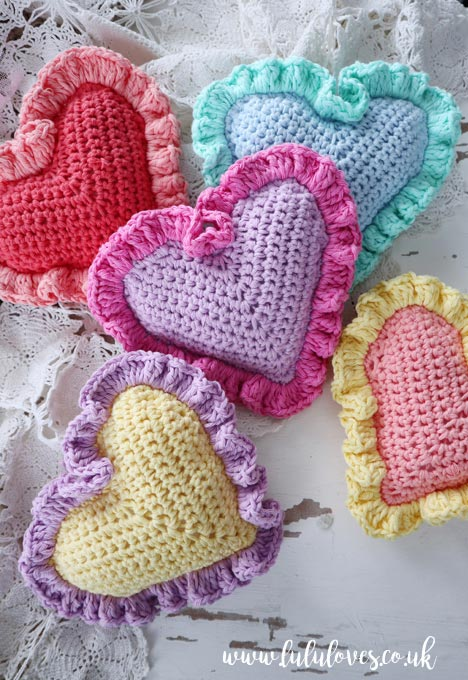 Lululoves | Crochet Ruffle Hearts Pattern