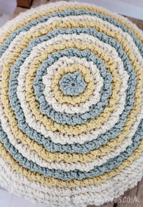 Crochet Ruffle Cushion - Lululoves